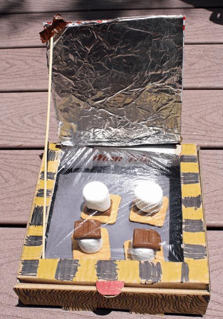 Steps-to-make-solar-oven-smores-1